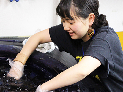 京屋染物店の染物体験教室
