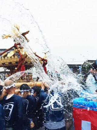 2016 平泉 水掛け神輿04